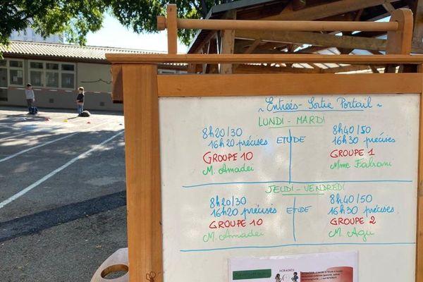 Les emplois du temps ont été modifiés pour chaque groupe de classe, afin d'échelonner les entrées et sorties.