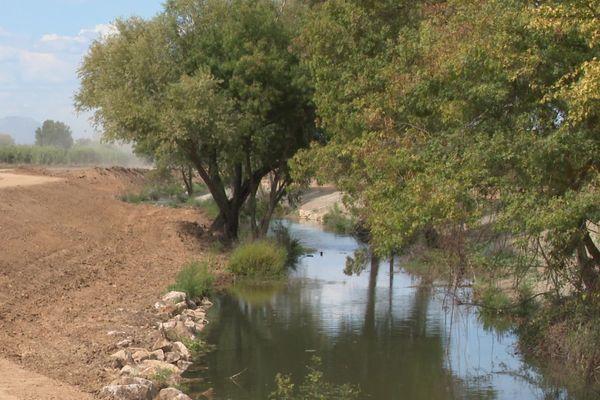Le cours d'eau du Salaison s'étend sur 25 kilomètres de Guzargues à Mauguio - septembre 2020