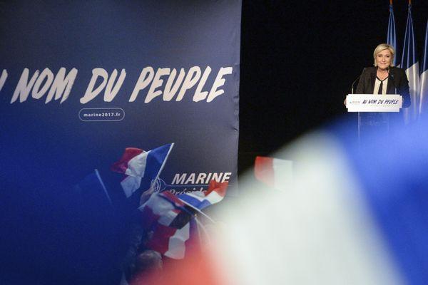 Marine Le Pen en meeting à Monswiller