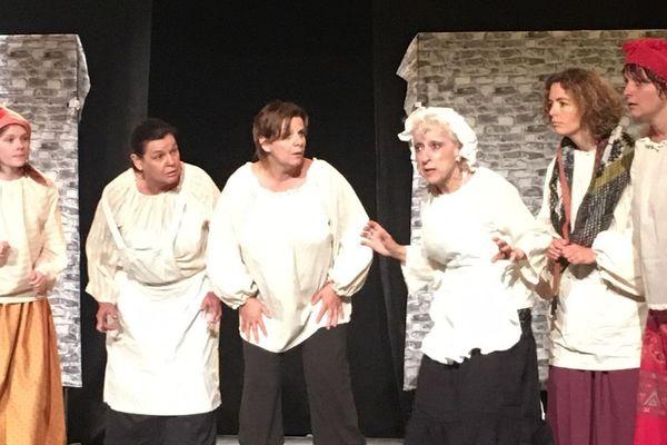 """Cette année la troupe adultes de Sel et Sucre joue """"Le cercle de craie caucasien"""" de Bertolt Brecht."""