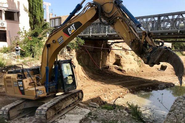Le dernier bloc de pierre du pont de Villegailhenc a été retiré ce mercredi matin - 18 septembre 2019