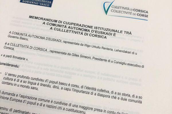 Le memorandum signé entre l'Euskadi et la Corse, rédigé en Corse et en Euskara