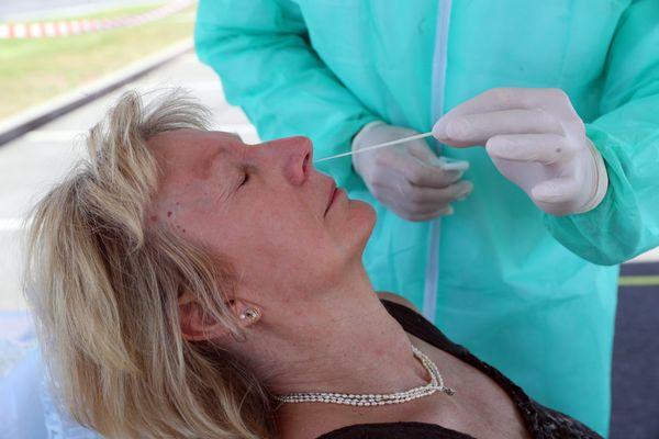 Test virologique dans le cadre de la lutte contre la propagation du coronavirus