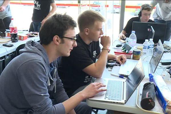130 étudiants de l'UTBM se creusent les méninges pendant 24h pour créér un projet innovant