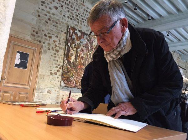 Un registre de condoléances a été ouvert en mairie du Mans