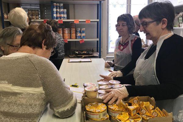 Centre des restos du coeur de Saint-Mihiel 26 novembre 2019. distribution denrées alimentaires