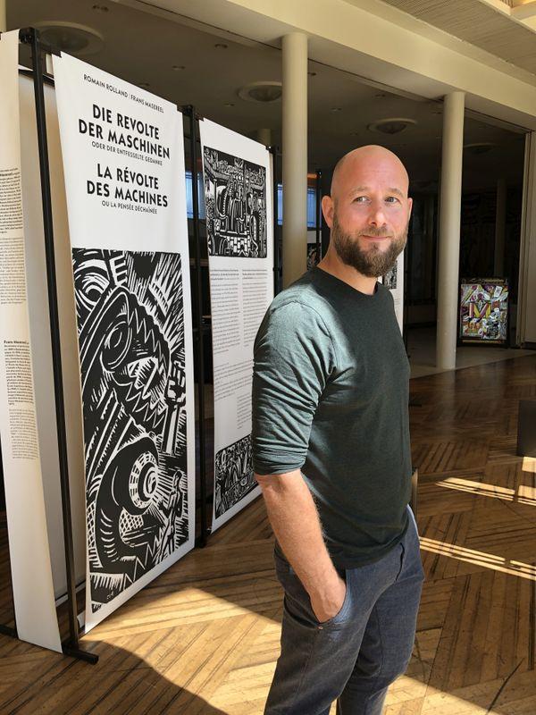 """Le commissaire de l'exposition Hendrik Helburn se réjouit de pouvoir enfin présenter le travail de son agence. L'exposition """"la Révolte des Machines"""" a été reportée plusieurs fois à cause de la pandémie de Covid."""