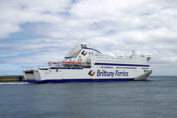 Le redémarrage de quatre navires de la Britanny Ferries prévu le 22 mars a été reporté à la mi-mai, au plus tôt.