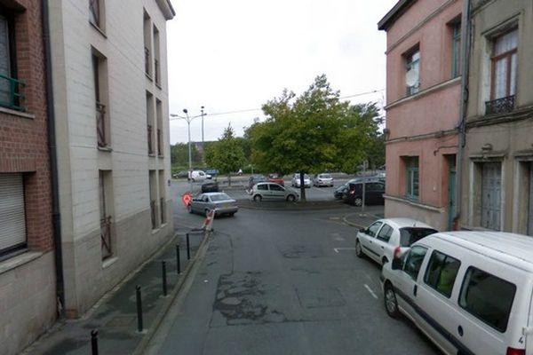 Les faits se sont déroulés rue Maurice Blachond à Valenciennes.