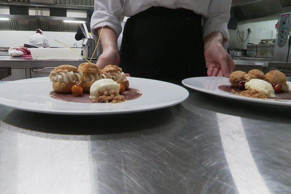 Dessert préparé par les élèves du lycée hôtelier Marie-Curie de Saint-Jean-du-Gard