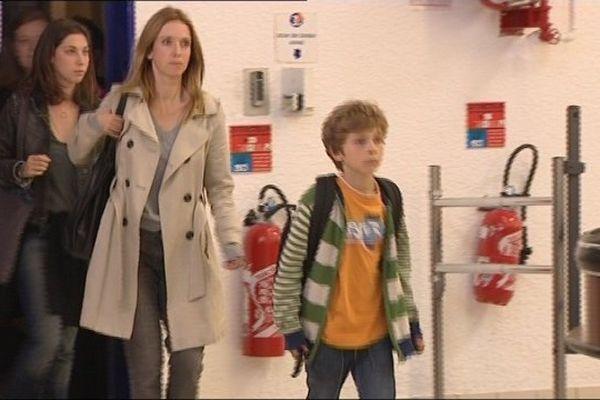 Léa Drucker joue le rôle d'une caissière de supermarché victime de violences.