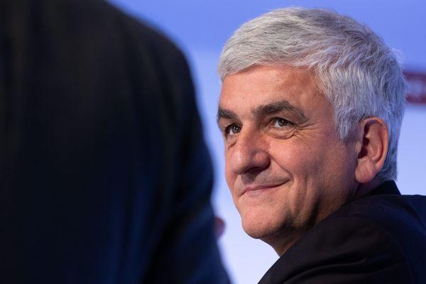 Le centriste Hervé Morin élu en décembre 2015 à la tête de la Région Normandie verrait son mandat allongé mais il y voit surtout l'occasion de négocier avec l'Etat, plus de décentralisation