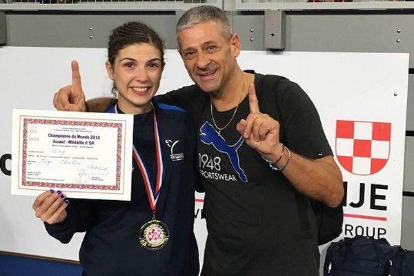 "Charlène Morgo, avec ""Toto"" (Antonio Mastropasqua), son directeur sportif, à Varazdin (Croatie)."