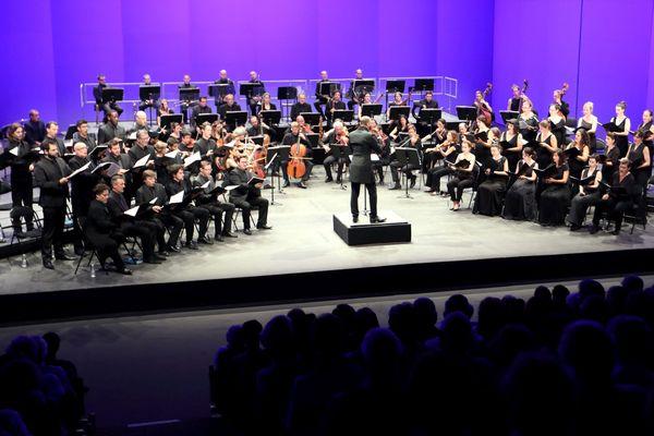 Le concert Spirituel, dirigé par Hervé Niquet lors de l'édition 2018 du festival Berlioz à La Côte Saint-André (Isère).