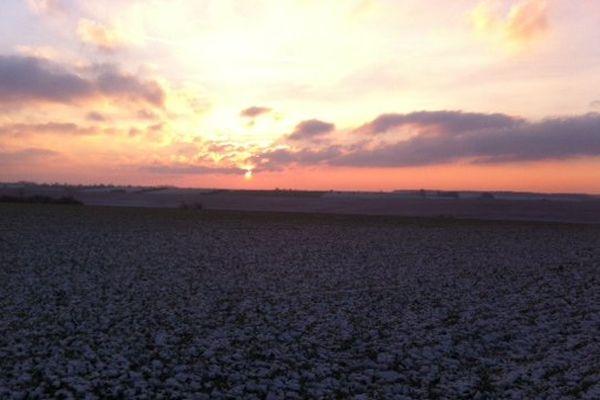 Un saupoudrage de neige en sortie de Vervins (Aisne).