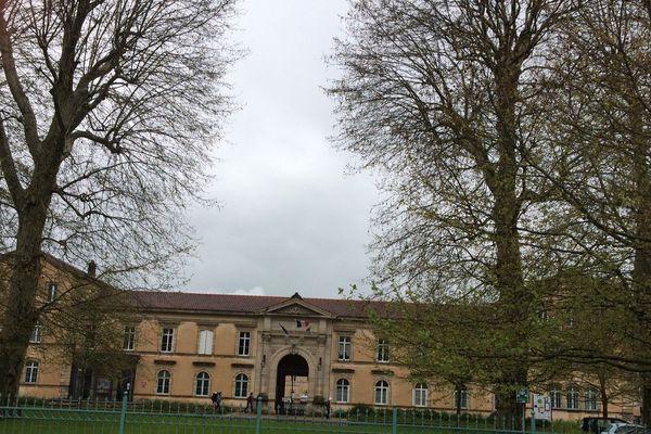 Campus connecté : le lycée Poincaré de Bar-le-Duc choisi comme tremplin durant 1 ou 2 avant de rejoindre une école ou université.