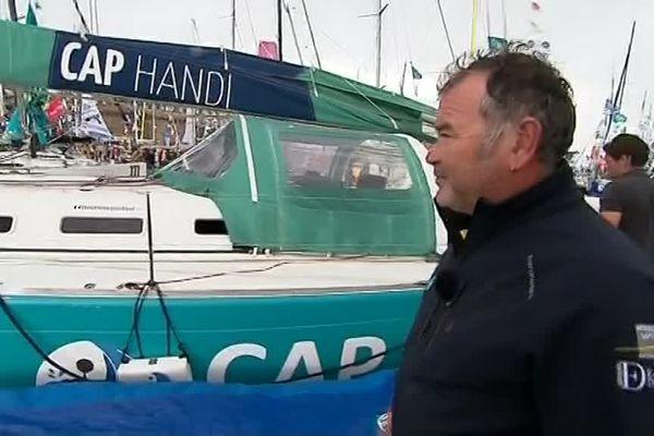 Christophe Souchaud et son voilier Cap Handi