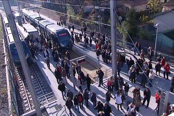 Le premier tram en gare de Blanquefort