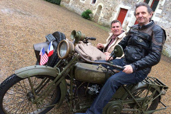 A l'abri au Château de Goulaine la Harley-Davidson de 1918 est prête pour le retour vers les USA