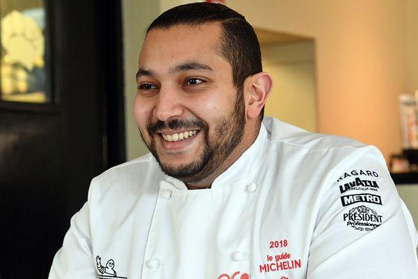 Abdelkader Belfatmi dans son restaurant à Marcq-en-Barœul.