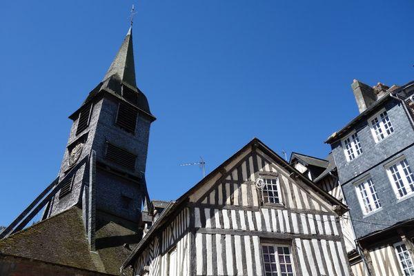 Ciel encore le plus souvent bleu ce vendredi en Normandie, avant un samedi plus agité