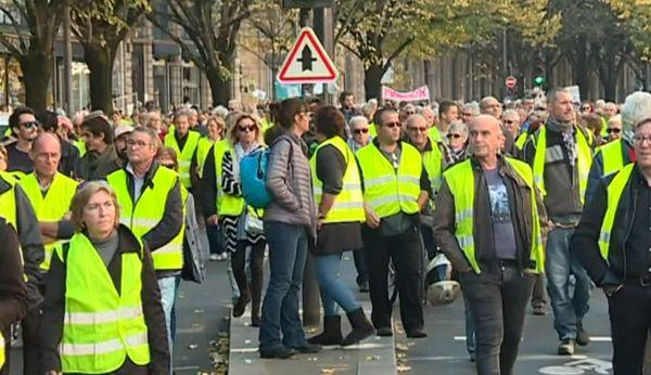 Samedi, à Bordeaux, le cortège comptait des gilets jaunes de la première heure du mouvement lancé en novembre 2018.