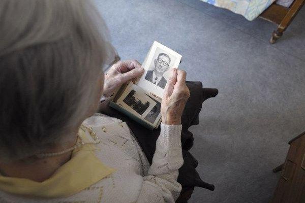 En France, 850 000 à 900 000 personnes seraient touchées par Alzheimer et les maladies apparentées.