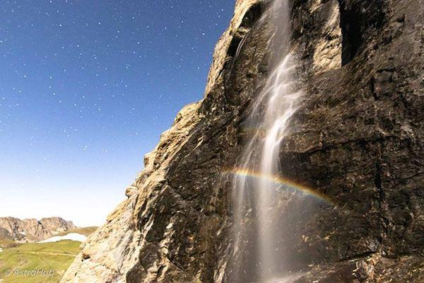 Un arc en ciel de lune capté au col de l'Iseran, en Savoie.