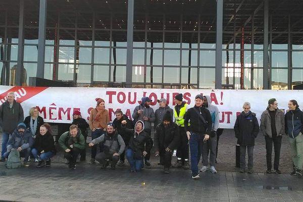 """Le collectif """"La maison du peuple"""" devant le tribunal de Nantes, le 14/11/2019"""