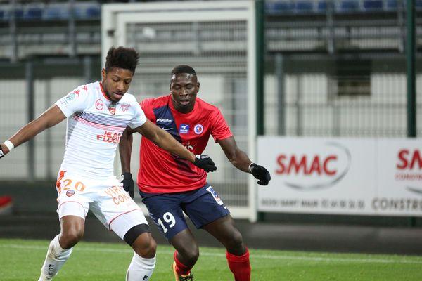 Opa Sangante, en rouge, et les Castelroussins ont effectué un pressing haut face à Lorient, la clé du match