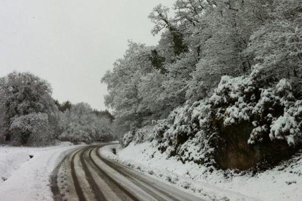 Routes enneigées du côté de Guingamp (22)