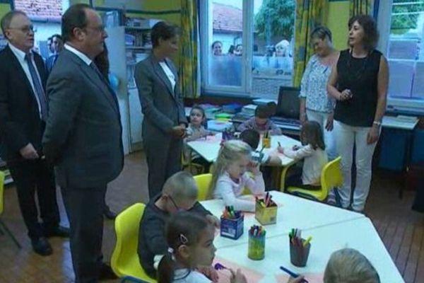 Rentrée rurale pour François Hollande à Pouilly sur Serre (02)
