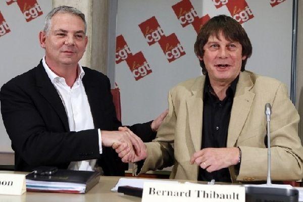 Thierry Lepaon et Bernard Thibault à Montreuil, près de Paris, en novembre 2012.