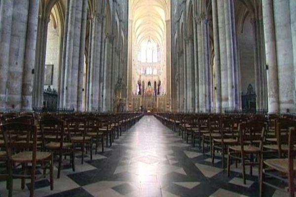 Amiens, la nef de la cathédrale, de nos jours (illustration).