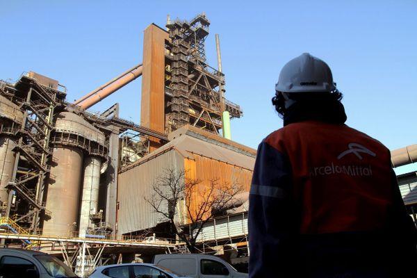 2.500 personnes travaillent sur le site du groupe sidérurgique ArcelorMittal à Fos-sur-Mer.