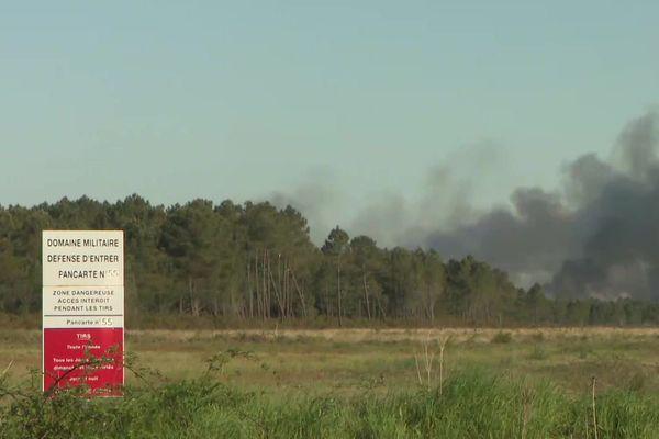L'incendie s'est déclaré à l'intérieur de l'enceinte du camp de Souge qui s'étend sur plus de 2800 hectares à l'ouest de Bordeaux