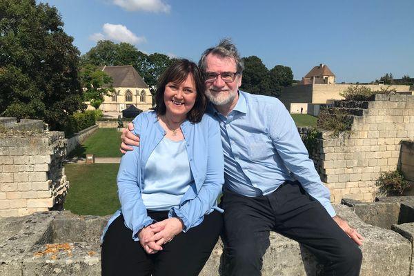 Pálmi et Soffía au château de Caen le 24 août 2021, 50 ans après leur rencontre.