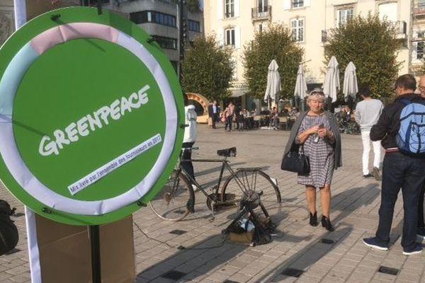 """Greenpeace en campagne pour """"l'électricité verte"""""""