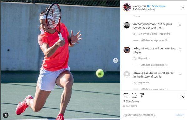 Exemples de messages haineux postés sur le compte Instagram de la joueuse