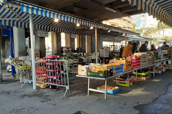 Le marché du Careï  à Menton