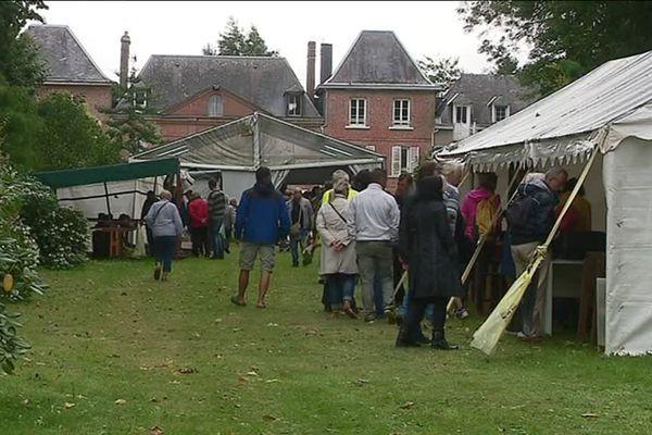 Il y avait foule dès l'ouverture de la grande vente d'Emmaüs.