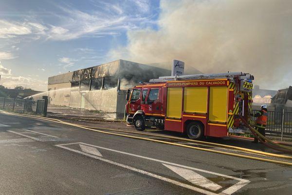 Incendie à Carpiquet dans un entrepôt