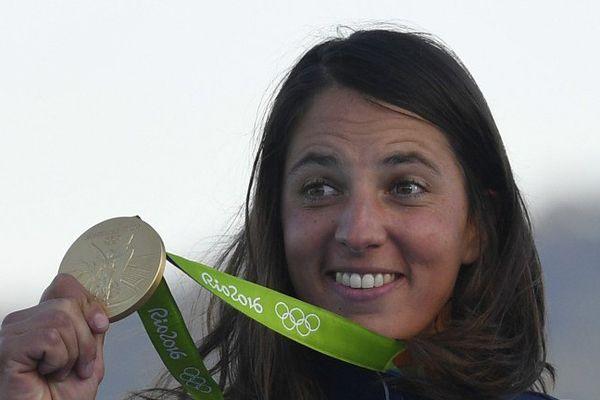 Le Trembladaise Charline Picon, médaillée d'or à Rio en planche à voile.