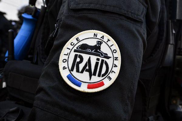 Le Raid, l'unité d'élite de la police nationale, a dû intervenir ce samedi 22 août dans le centre-ville de Lisieux