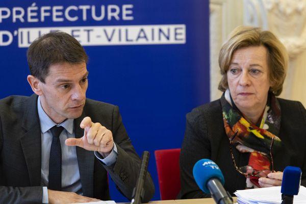 Stéphane Mulliez (à g), directeur général de l'Agence régionale de la santé Bretagne et Michèle Kirry (à d), préfète de la région Bretagne, préfète d'Ille-et-Vilaine