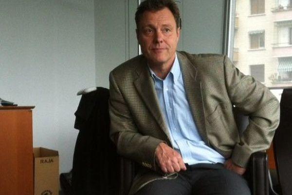 Eric Maillaud lors d'une rencontre informelle avec la presse, le 24 juin.