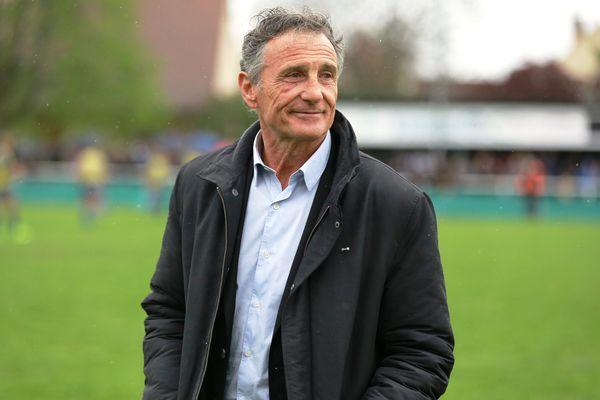 Guy Novès, le sélectionneur de l'équipe de France de rugby, le 30 avril 2016 à Beaune (Côte-d'Or).