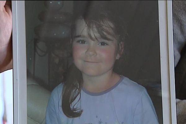 Drame de Courmangoux (Ain) le 18 mai 2008 : Loreen Verguet est percutée par une voiture. Elle ne survit pas au choc et meurt dans les bras de son père ...