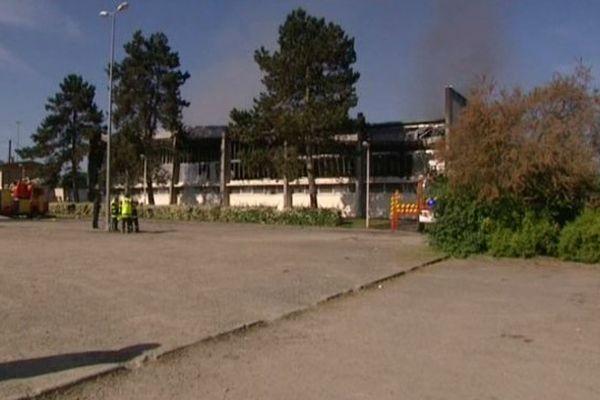 violent incendie qui rend le gymnase inutilisable