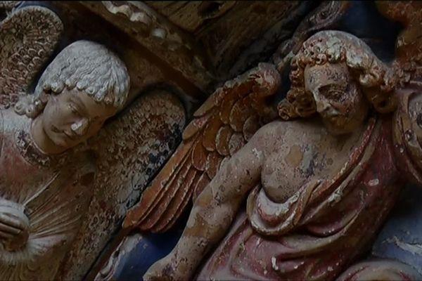 Le projet est de reconstruire une galerie pour protéger ces sculptures sur le portail occidental.
